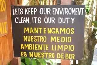 Costa Rica Rcycling Sign for AP