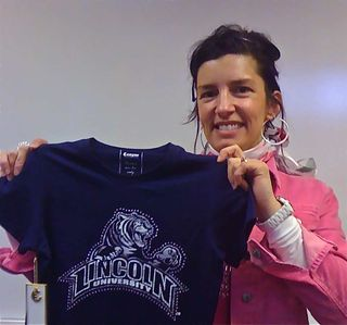 Carrie LU Shirt 53 KB